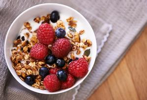 fibre food fact sheet image - bowl of cereal